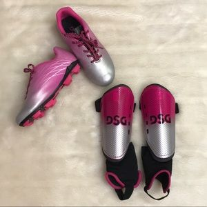 [DSG] Youth soccer cleats and shin guards